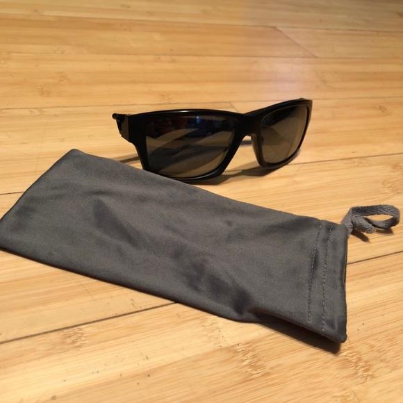 11d477775d Oakley Accessories - Barley worn- Oakley Jupiter Squared Sunglasses